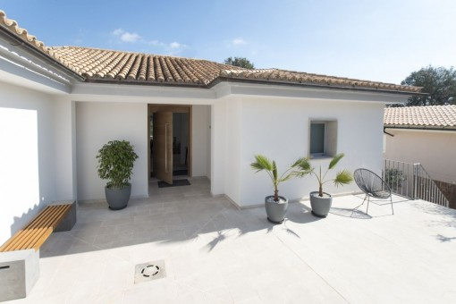 Newly-renovated villa in the popular district of Portals Nous