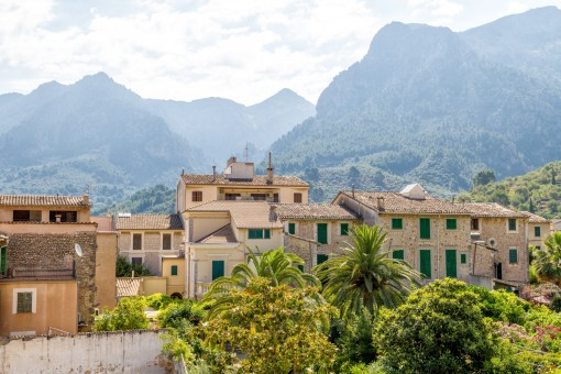 Picturesque views of the village and the mountains