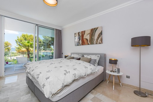 The villa offers 4 bedrooms