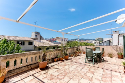 Duplex penthouse in Santa Catalina with a large garage and 40 sqm terrace with part sea views