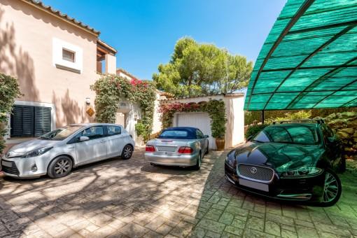 Parking grande con garaje