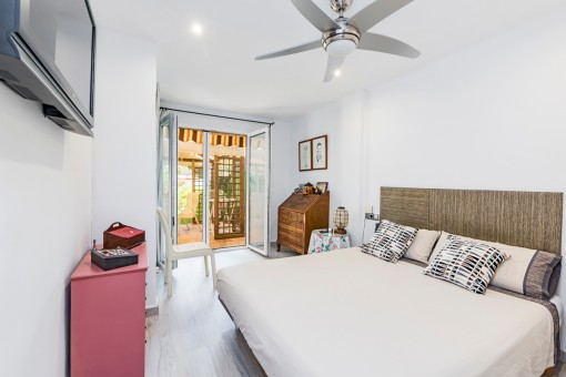 Double-bedroom with terrace acces