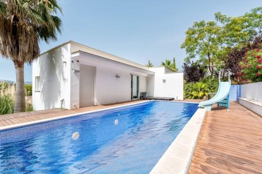5-bedroom villa with beautiful sea views of the bay of Santa Ponsa