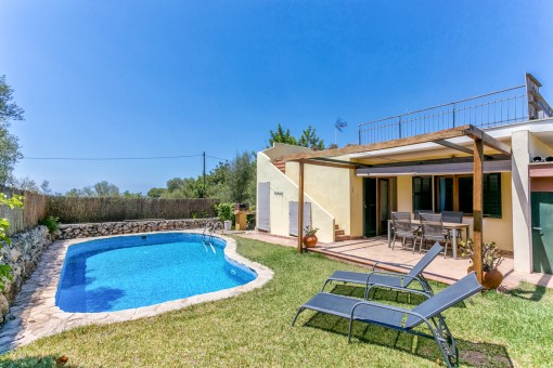 Low-maintenance villa with 4 bedrooms and pool in Sa Cabaneta