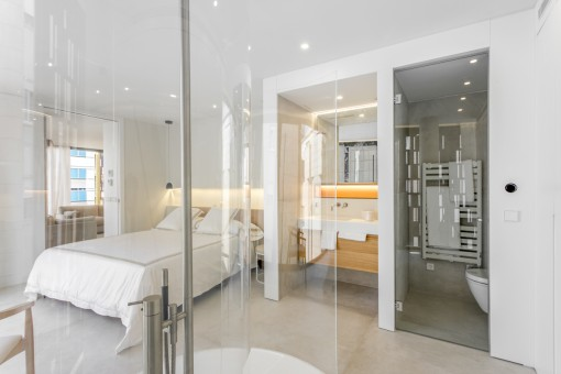 Luxurious bathrom inside the bedrooms