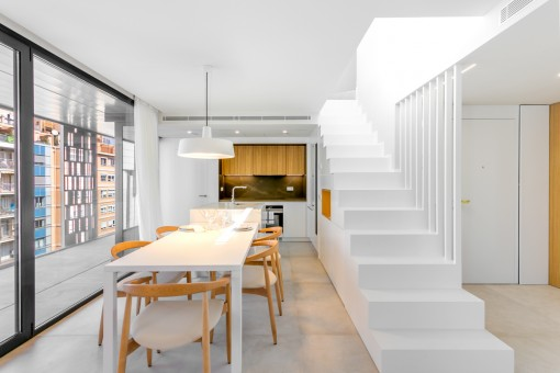 Bright dining area next to the kitchen