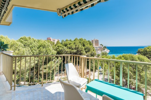 Beautiful 2 bedroom first sea line apartment with direct beach access in Cala Vinyes - purchase