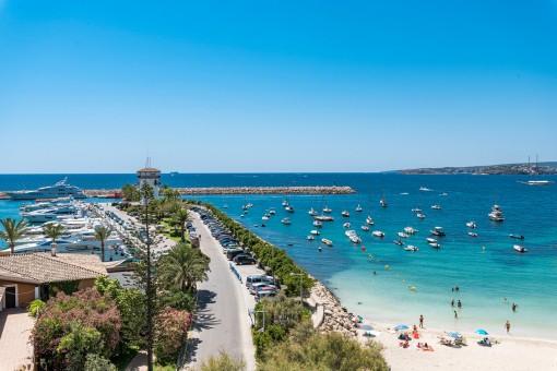 Fantastic beach and sea views