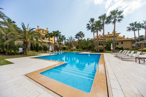 Holiday apartment with terrace in a wonderful residential complex directly on the golf course of Son Vida