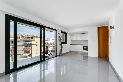 Modern, as-new apartment, centrally located near to the harbour and the beach of Puerto Alcudia
