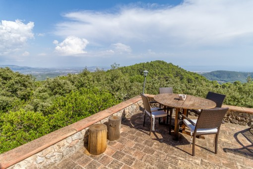 House in the mountains with wonderful views in Esporles