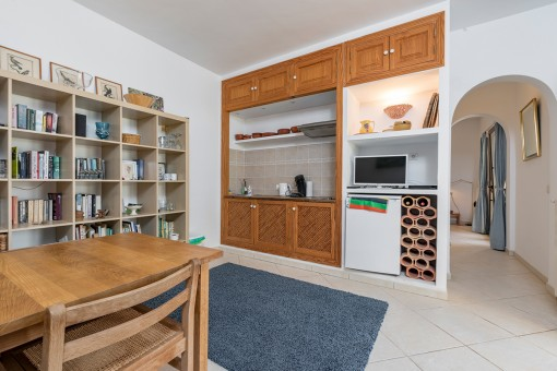 Small guest kitchen