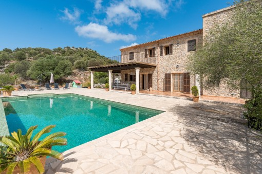 Pure nature-wonderful finca in a unique location on top of a hill with breathtaking sweeping views in Son Macia