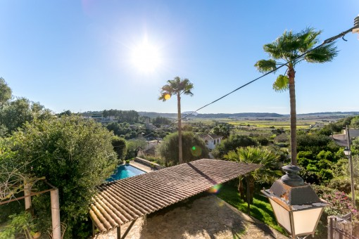 Mallorcan finca on a slope with renting licence, pool in Sant Joan