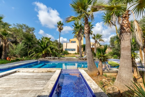 Wonderful finca with separate guest house, pool and fitness room in Santanyi