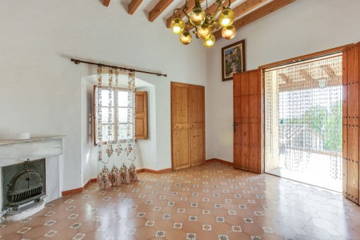 Unfurnished living area with access to the balcony