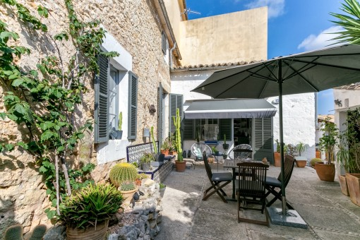 Renovated and well-maintained town house in Selva with pool and garden