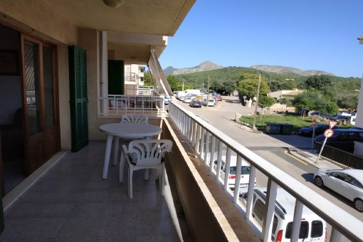 Bright apartment requiring renovation, centrally situated in Alcudia with views of the local mountain of Talaya