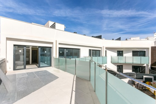 Wonderful newly-built duplex apartment with communal pool in Son Rapinya