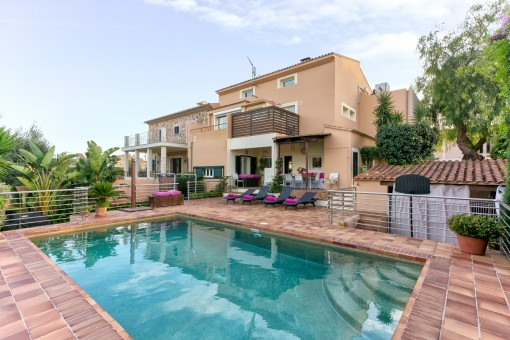Large, comfortable villa in Sa Cabaneta with pool, pretty garden and wonderful views of the Tramuntana