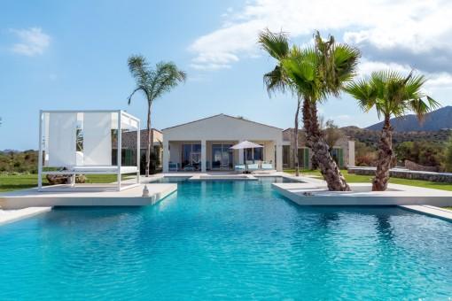 Splendid views of the pool area