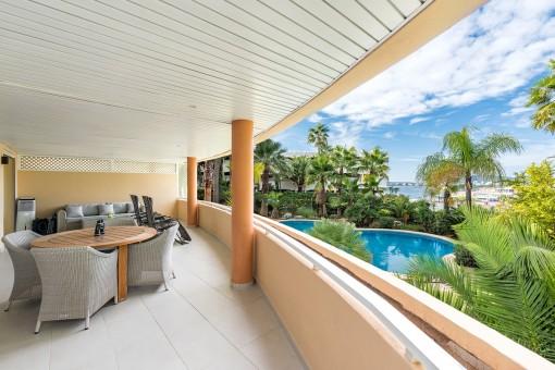 Wonderful lounge area on the balcony