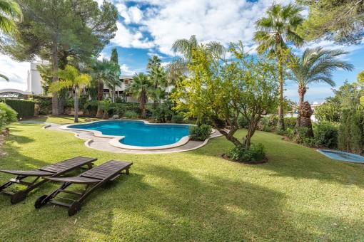 Fabulous garden area with communal pool