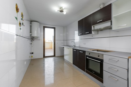 Large kitchen with access to the terrace