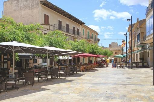 Beautiful plaza in Santanyi