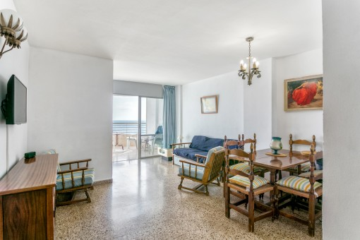 Bright living and dining area