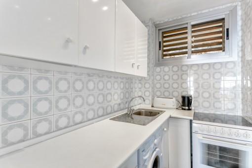 Wonderful kitchen with laundry