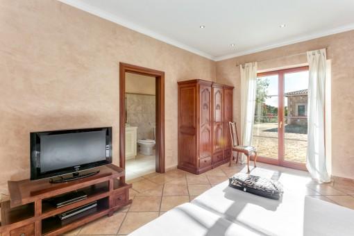 Further bedroom with bathroom en Suite