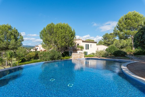 Luxurious apartment with views to the golf course in calm location of Santa Ponsa