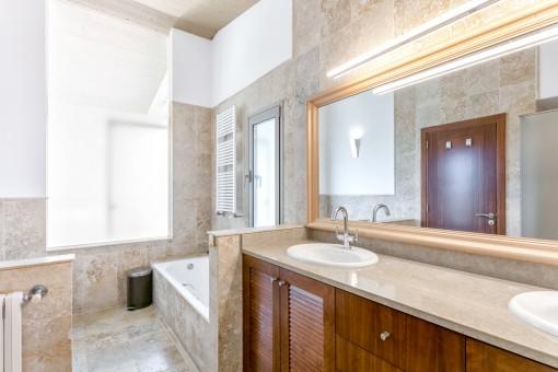 Modern bathroom with bathrub