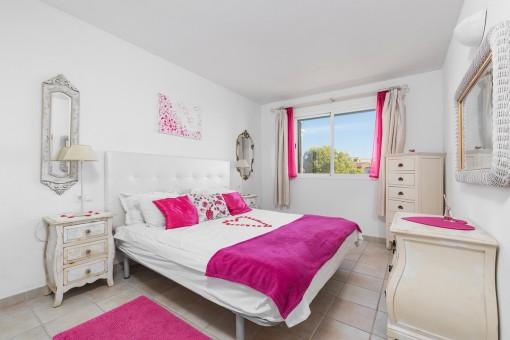 Bright double-bedroom