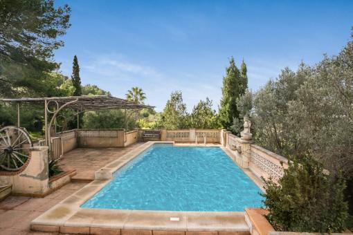 Romantic pool area