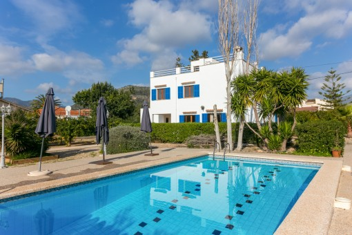 Mediterranean family-villa with large garden in Palmanyola