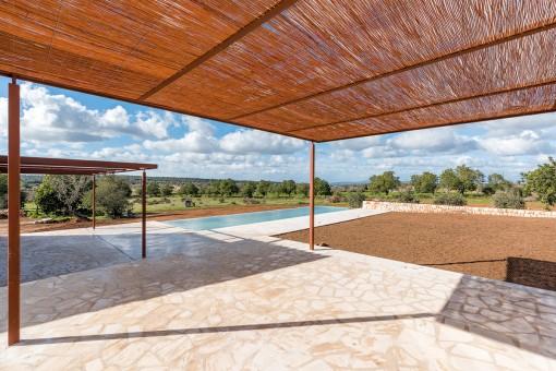 Spacious, sunny terrace