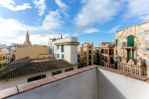 Stylish old-town apartment with roof terrace in Palma