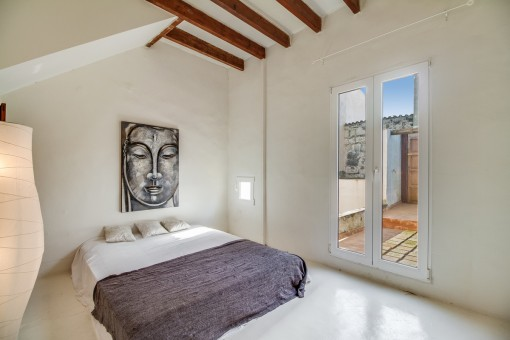 Double-bedroom with terrace