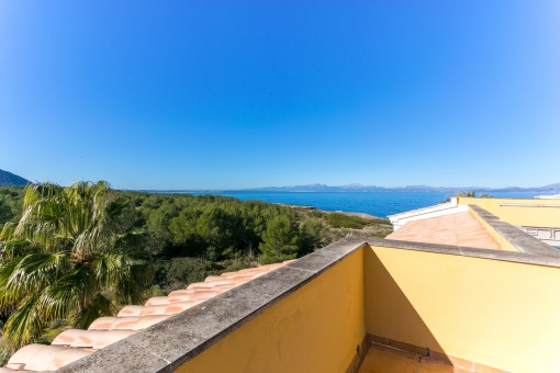 Fantastic sea views from the roof terrace