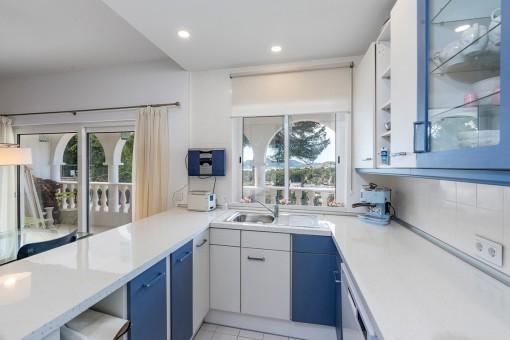 Beautiful, bright kitchen