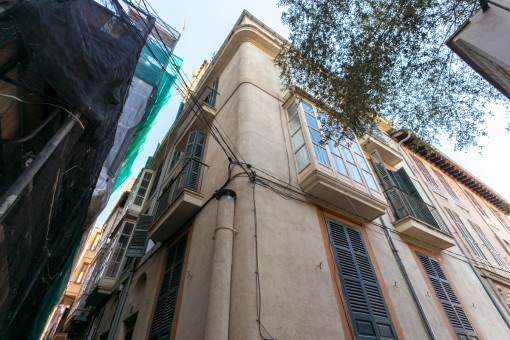 Beautiful old-town residential building with 8 apartments in Palma