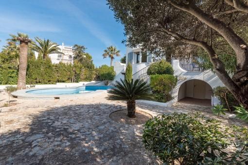 Mediterranean outdoor area