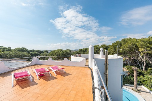 Roof terrace with ample space