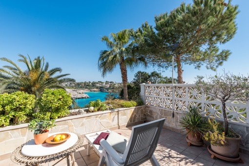 Attractive apartment with fabulous sea views in Cala Mandia