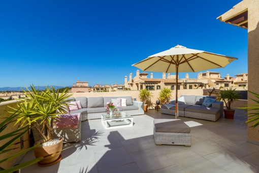 Spectacular penthouse apartment in an idyllic location in Puig de Ros