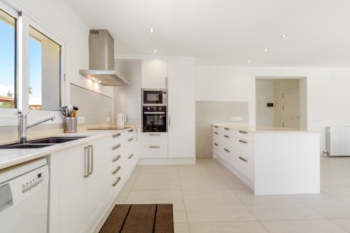 Large, fully-equipped kitchen