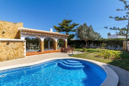 Charming, bright villa in Bahia Azul