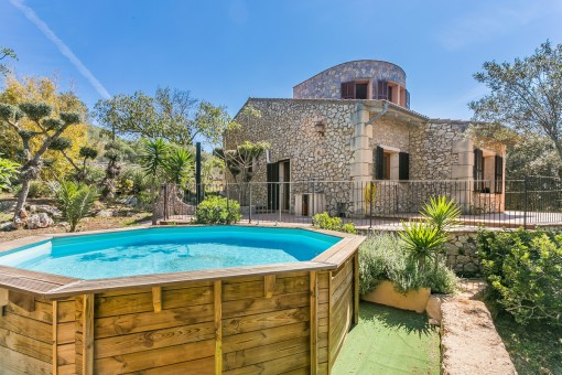 Natural-stone finca with a rustic tower in a quiet area in Sant Llorenc with rental licence
